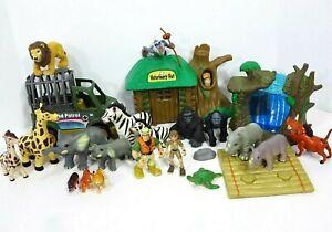 Animal World Veterinary Planet Grassland Patrol Cage Jeep Vet Playset Figure