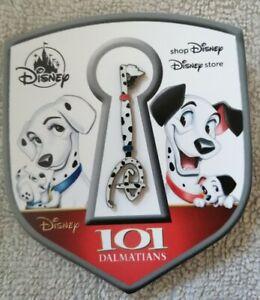 101 Dalmatians Key Fantasy Pin  - with Pin Badge (RARE)