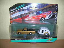 Maisto Tow & Go 1967 Chevrolet El Camino / Traveler Remolque 1:64