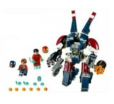 LEGO Detroit Steel weaponized mech, Iron Man and Justin Hammer Minifigs