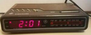 GE Digital Alarm Clock Radio AM/FM Model 7-4612B Woodgrain Vintage 80's Tested