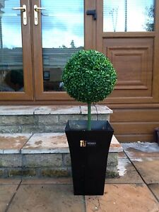1x Artificial Topiary Tree