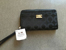 NWT Coach Madison OP ART EW universal wristlet Black 67476