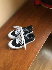 Boys/Girls Shoes Black Size 13 Pre School NWT