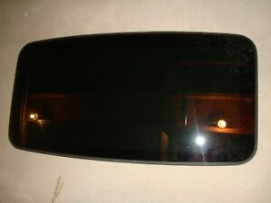 2001-2004 VOLVO S60 S70 S80 SUNROOF GLASS COMPLETE WITH MOUNTS & FRAME