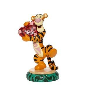 Jim Shore Disney Traditions Tigger Holding Heart 6008073
