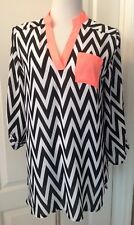 NWT rue21 Black/White Top Size Large High-Lo Hemline Button Up Sleeve