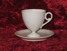 TASSE A CAFE ET SA SOUS TASSE DU SERVICE MOUSSELINE DE J. POUYAT A LIMOGES