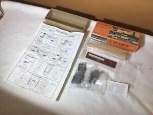 Vintage Silver Streak Ho scale CB&Q Combine Caboose Wood & Metal Model Kit