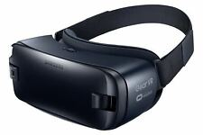 Samsung Gear VR (2016) SM-R323N Virtual Reality Headset - With usb accessories.