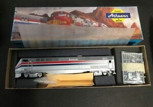Athearn HO Amtrak AMD103 (P40) Dummy Loco Kit Blue Box