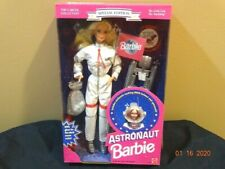 Barbie AStronaut, 1994 nrfb  12149 in white suit ,helmet,Career Collection We Gi