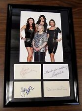 Hot In Cleveland Cast Autographed Index Cards 12x18 TV Betty White Authentic