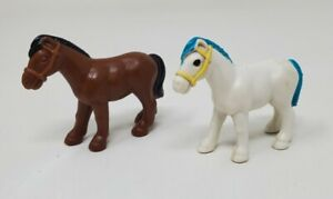 Lincoln Logs Horse Lot 2 Horses White & Blue, Brown K'NEX