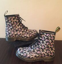 Doc Martin Short US Size 7 Black Flower Boots 1460 W UK 5 Mini Tydee