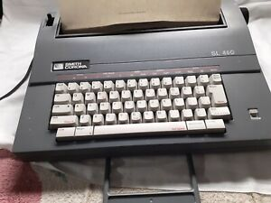 Retro Smith Corona SL 460 Electric Typewriter With Carry Casing