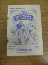 11/04/1953 V Southend unida Millwall (óxido Marks & daños leves donde la grapa