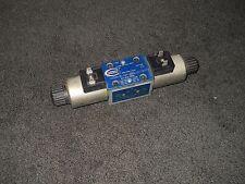 NEW NOS Upright Solenoid Valve 015763-000 VSM-3L-6B-24SL-K-Y6177