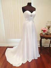 G11  DERE KIANG 11130 SZ 12 WHITE & SILVER  WEDDING GOWN DRESS