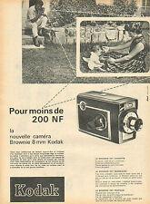 Publicité  --  KODAK  nouvelle caméra Brownie 8 mm
