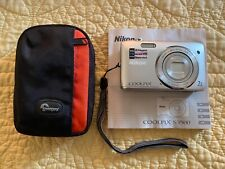 Nikon COOLPIX S3500 20.1MP Digital Camera - Silver with carrying case. 7x zoom.
