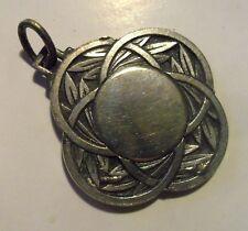 Ancienne médaille epis de blé avoine  mandala celtique metal argenté