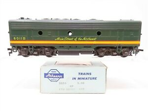 HO Scale Athearn 3030 NP Northern Pacific F7B Diesel Locomotive #6011B - Dummy