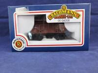 Bachmann Branch Line Cattle Wagon B.R. Brown.
