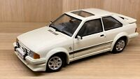 Sun Star 1:18 Scale - Ford Escort RS Turbo - White - Diecast Model Car