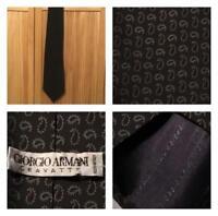 Vintage Giorgio Armani Cravatte Men's Tie Italy 100% Silk Green Paisley