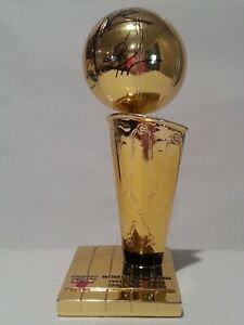 Dennis Rodman Scottie Pippen signed Chicago Bulls NBA Trophy PSA H36894 W181042