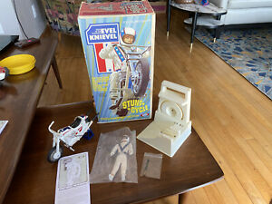 ORIGINAL BOX COMPLETE 1973 IDEAL2nd ED. EVEL KNIEVEL STUNT CYCLE SET Excellent!