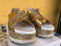 Sandalo dorato con zeppa ANGELA GEORGE tg 38 scarpe tacco eleganti oro pelle