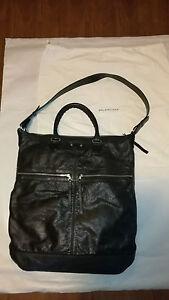 Balenciaga Signature Creased Leather Arena Two Way Tote Bag Large Black