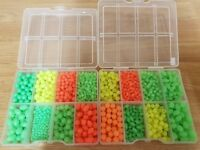 1000 + Oval/Round Glow in the Dark Fishing Beads in 2 Loaded Boxes + Free Gift.