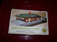 Bachmann Lighted passenger station kit # 46-1217 used