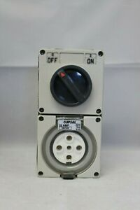Clipsal 56-Series 56C532 Switched Socket Outlet