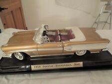 1958 PONTIAC Bonneville Convertible 1/18 Die-Cast Model - Road Signature