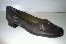 """Sandpiper dignity """"fern"""" size 7 G brown leather"""
