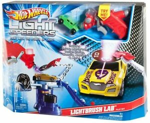 Hot wheels LIght Speeders Light Brush Lab / Paint with the Power of Lab BNIB
