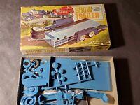 Vintage 1963 Aurora Hot Rod Show Trailer 1:32 Scale Plastic Model Kit Car Hauler