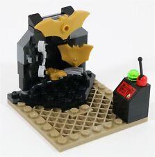 LEGO BATMAN BATCAVE MINIFIGURE WEAPONS RACK MOC BUILD - MADE OF GENUINE LEGO
