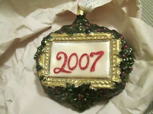 DEPARTMENT 56 #56.13841 Blown Glass 2007 MERRY CHRISTMAS WREATH Ornament NEW