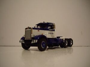 FIRST GEAR DCP 1/64 BLUE AND WHITE BURGERMEISTER PETE 351 DAY CAB