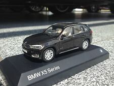 BMW X5 F15 Maßstab 1:43 Farbe Sparklingbraun / Scale 1:43 Sparkling Brown