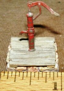 O Scale On3 On30  FARM  TALL HAND  WATER PUMP on Platform UNKNOWN MAKER NOB