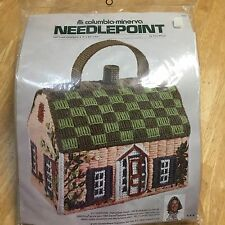 '75 COLUMBIA MINERVA ERICA WILSON NEEDLEPOINT PLASTIC CANVAS COTTAGE HANDBAG KIT