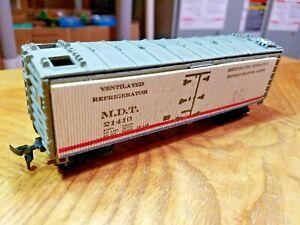 T6 HO TRAIN BOX Car MDT White Cardboard 21410 box car