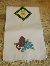 Nwt Christmas Holiday Guest Towel Presents Cotton Gift Present C&F White