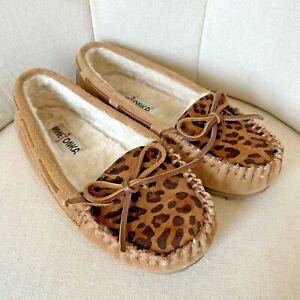 Minnetonka Moccasins Women's Size 6 Tan Brown Animal Cheetah Slippers Suede Rare